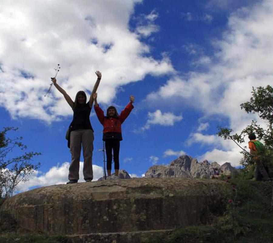 paseos y senderos camino viejo sallent a la sarra comarca alto gallego