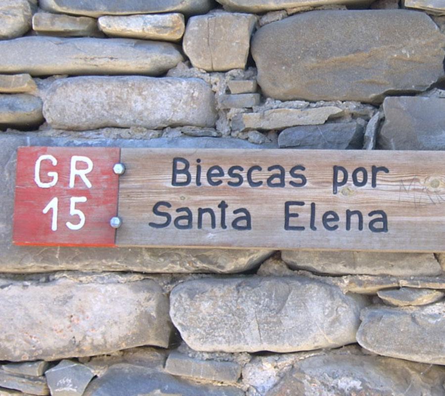 paseos y senderos de biescas a iglesia santa elena comarca alto gallego